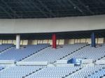日産スタジアムのトリコロールの柱