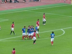 大黒将志のゴールで喜ぶ横浜F・マリノス
