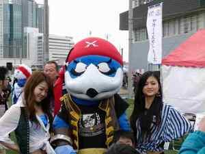 横浜F・マリノスを応援するワルノス
