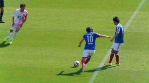 横浜F・マリノス vs サガン鳥栖中村俊輔と伊藤翔